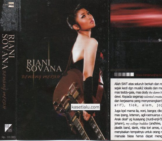 RIANI SOVANA - BENANG MERAH